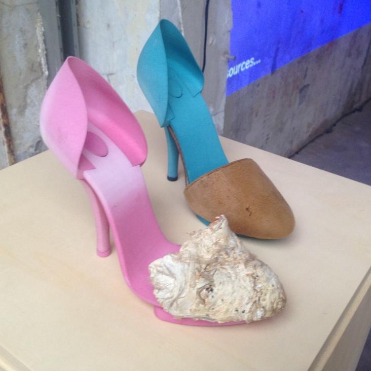 Schoenen uit de 3D-printer met een afwerking van paddestoelenleer van Kristel Peters